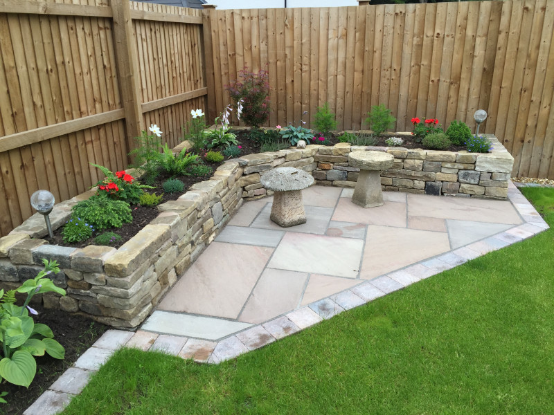 Gallery garden makeovers paul gibbons landscapes ltd for Garden makeover