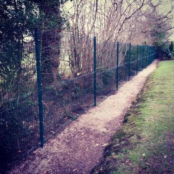Paul Gibbons Landscapes Ltd - Fencing 2