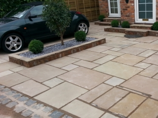 Paul Gibbons Landscapes Ltd - Driveway 2