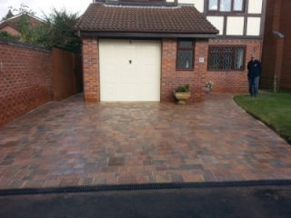 Paul Gibbons Landscapes Ltd - Driveway 3