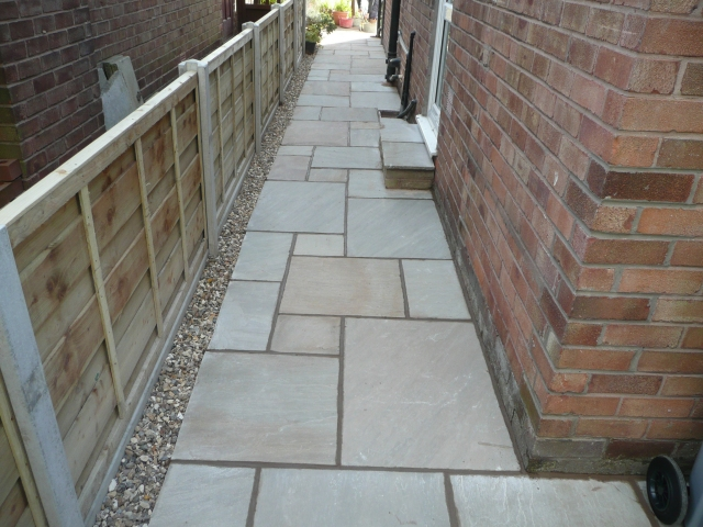 Paul Gibbons Landscapes Ltd - Patios 11