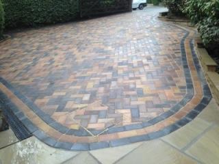 Paul Gibbons Landscapes Ltd - Driveway 16