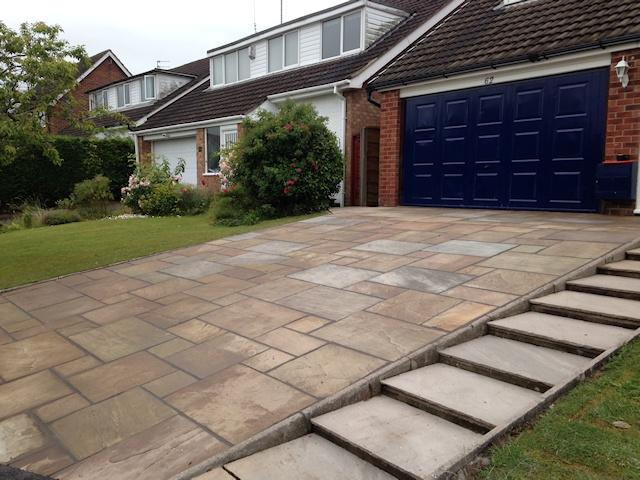 Paul Gibbons Landscapes Ltd - Driveway 18