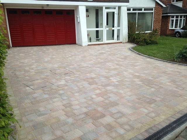 Paul Gibbons Landscapes Ltd - Driveway 19