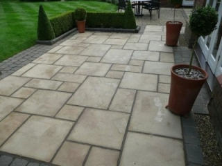 Paul Gibbons Landscapes Ltd - Patios 18