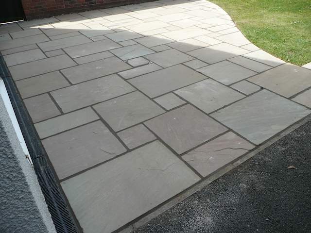 Paul Gibbons Landscapes Ltd - Patios 23