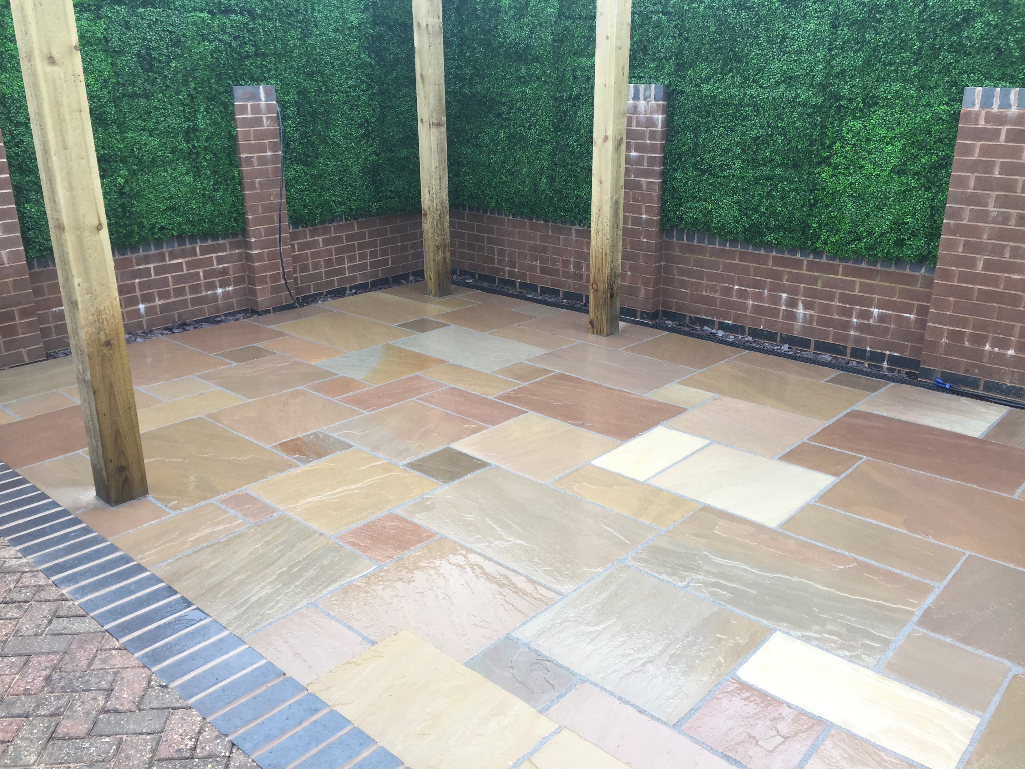 Paul Gibbons Landscapes Ltd - New Patio