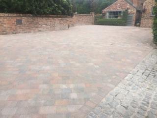 New driveway in Mobberley, Kuntsord using Marshalls Drivesett Tegula in Traditional