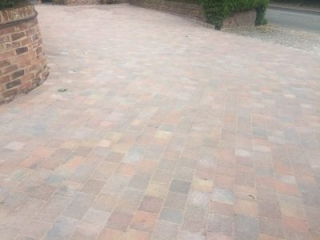 New driveway in Mobberley, Kuntsord using Marshalls Drivesett Tegula in Traditional