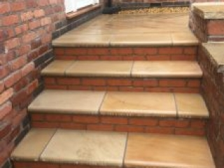 New patio and steps by Paul Gibbons Landscapes Ltd